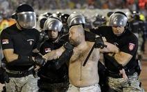 92 cổ động viên bị bắt trong trận derby Belgrade