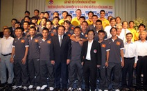 Tuyển VN ra mắt áo thi đấu AFF Suzuki Cup 2012