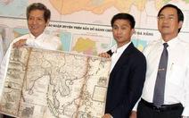 Trao bằng khen cho người sưu tầm bản đồ về Hoàng Sa, Trường Sa