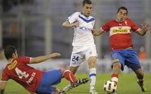 Tài năng trẻ của Argentina ngã vật xuống sân sau trận đấu