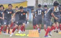 Đình Đồng, Hồng Tiến đá chính trận VN-Philippines