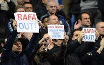 CĐV Chelsea la ó trong ngày HLV Benitez ra mắt