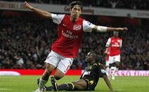 Park Chu Young tỏa sáng trong màu áo Arsenal
