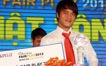 Tôn vinh cầu thủ Võ Nhật Tân