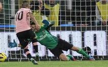 Milan ngược dòng cầm chân Palermo