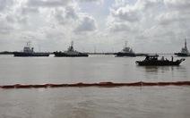 Diễn tập ứng phó sự cố tràn dầu trên sông