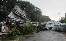 Long An: mưa dông làm sập, tốc mái 22 căn nhà