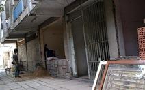 Đập phá chung cư để ép dân bán nhà?