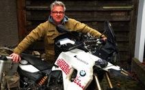 Chạy xe máy từ Đức đến Việt Nam để làm từ thiện