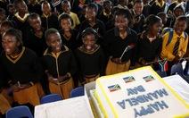 Hàng triệu học sinh hát mừng sinh nhật ông Mandela