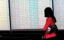 VN-Index bất ngờ giảm hơn 10 điểm
