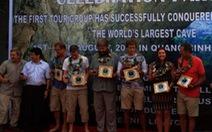 6 du khách đầu tiên chinh phục hang động lớn nhất thế giới
