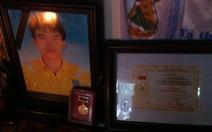 """Truy tặng huy hiệu """"Tuổi trẻ dũng cảm"""" cho anh Trần Hữu Hiệp"""