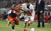 Maxwell cứu PSG trong ngày khai mạc