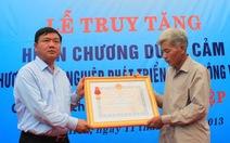 Trao Huân chương dũng cảm cho anh Trần Hữu Hiệp