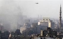 Quân đội Ai Cập lao thẳng xe thiết giáp vào đoàn biểu tình