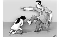 Một bác sĩ bị tố hành hung vợ dã man