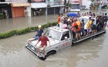 Mưa ngập bao phủ hơn nửa thủ đô Manila, Philippines