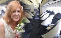 """Nữ hành khách """"quậy tưng"""", máy bay hạ cánh khẩn cấp"""