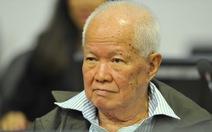 Nhân viên tòa án Khmer Đỏ lại dọa đình công