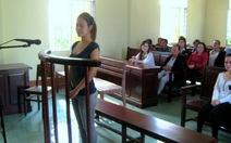 Rạch mặt nữ sinh, lãnh án 2 năm tù