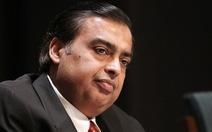"""Tài sản tỉ phú Ấn Độ """"bốc hơi"""" vì đồng rupee"""