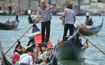 Du lịch trên sông ở Venise biến động vì tai nạn