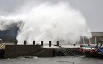 Siêu bão tàn phá Philippines, Đài Loan, tiến về Hong Kong