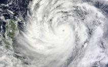 Hủy 400 chuyến bay, Hong Kong chuẩn bị ứng phó siêu bão