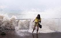 Bão Usagi đang càn quét tơi bời bờ Đông Trung Quốc