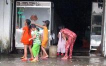 Tắm mưa - một thời để nhớ