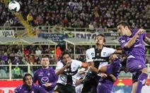 Rossi chấn thương trong trận Fiorentina hòa Parma 2-2