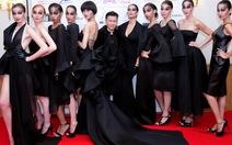 Thời trang Việt trình diễn tại Paris