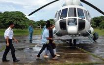 Trực thăng đưa nhà sư từ Trường Sa vào đất liền chữa bệnh