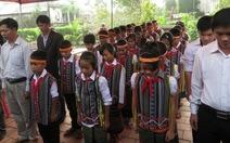 Người dân, thầy - trò Quảng Bình viếng chật nhà đại tướng