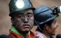 Hai thợ mỏ sống sót thần kỳ sau 11 ngày mắc kẹt trong hầm