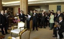 Tổng thống Indonesia chơi đàn mừng sinh nhật Tổng thống Nga