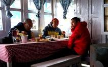 Ăn cơm Việt trên nóc nhà thế giới Annapurna