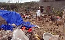 Lũ, lốc quét qua, xóm làng nát tan như sau trận bom càn