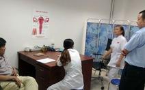 Kiểm tra phòng khám, bác sĩ Trung Quốc lại bỏ trốn