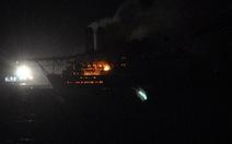 Tàu cẩu 5.000 tấn cháy đỏ đêm Vũng Tàu