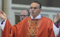 Vatican đình chỉ giám mục xa hoa