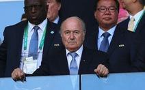 """Chủ tịch Blatter: """"Tôi không phải  ký sinh trùng hút máu"""""""