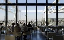 Nhà hàng xếp chỗ ngồi cho khách tùy theo… sắc đẹp!