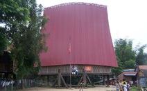 Hỗ trợ xây dựng mới nhà rông