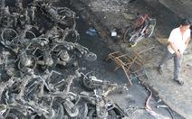 Cháy rụi 20 xe tại trung tâm bảo hành xe gắn máy