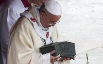 Vatican lần đầu công bố các mảnh xương Thánh Phêrô