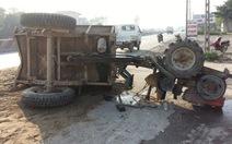Xe tải tông xe công nông, tài xế bất tỉnh