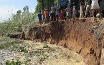 Bờ sông Tiền sạt lở 17m, đe dọa nhiều nhà dân
