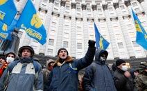 Người biểu tình Ukraine quyết lật đổ chính phủ